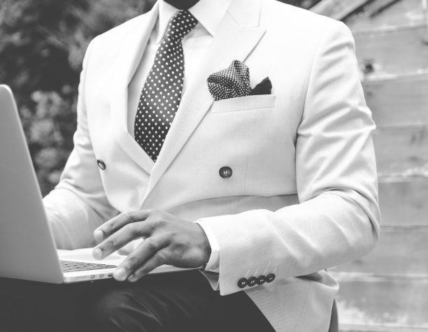 スーツは何着持っていればいいの?